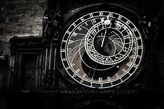 El sol y la luna en Praga / The sun and moon in Prague (Hernan Piera) Tags: reloj dias noches numeros agujas tiempo horas minutos relojsolar numerosromanos relojlunar ringexcellence