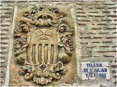 2634-Olmedo (Valladolid) (jl.cernadas) Tags: sculpture stone escultura pedra piedra blason escudos heraldica
