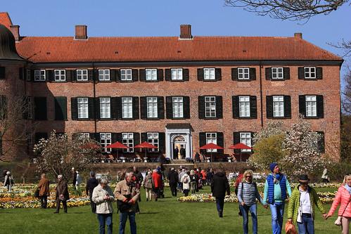 """Eutiner Schloss (17) Gartenfassade • <a style=""""font-size:0.8em;"""" href=""""http://www.flickr.com/photos/69570948@N04/26341122944/"""" target=""""_blank"""">View on Flickr</a>"""