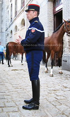 bootsservice 07 9334 (bootsservice) Tags: horse paris army cheval spurs uniform boots military cavalier uniforms rider cavalry militaire weston bottes riders arme uniforme gendarme cavaliers equitation gendarmerie cavalerie uniformes eperons garde rpublicaine ridingboots
