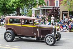 IMG_2843 (marylea) Tags: classic car vintage classiccar parade memorialday 2015 may25 memorialdayparade