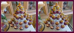 Thanksgiving Day Treats 2 - Crosseye 3D (DarkOnus) Tags: thanksgiving november macro closeup lumix stereogram 3d crosseye cookie day pennsylvania treats panasonic stereo cupcake stereography buckscounty crossview dmcfz35 darkonus