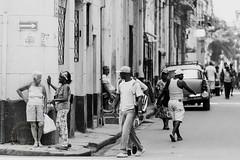 Streets Of Havana (Simone Della Fornace) Tags: street travel people urban blackandwhite white black monochrome sony havana cuba streetphotography streetphoto cuban bianco nero biancoenero traveldestination a7rii