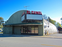 El Tunel, Chicago Heights, IL (Robby Virus) Tags: cinema sign marquee hall illinois rainbow closed theatre el hut signage tunel nortown ochoas chicagoheights quonest