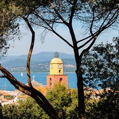 carré de saint tropez (nicouze) Tags: sea mer france saint jaune montagne square landscape tropez paysage arbre église vue sud carré carréfrançais