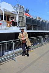 Montral, AML Cavalier Maxim (clementlambert67) Tags: montral guide bateau vieuxport personnage quaie amlcavaliermaxim