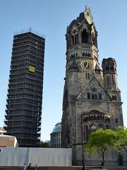 Kaiser Wilhelm Kirche - Berlin (Mark 2400) Tags: berlin kirche kaiser wilhelm