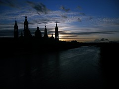 Project365/066: Atardecer sobre el ro (srgpicker) Tags: sunset rio pilar river atardecer nikon zaragoza coolpix aphotoaday elpilar day066 s2500 20120306 ebroproject365