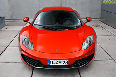 MP4-12C (Keno Zache) Tags: red orange car sport canon photography eos view automotive front mclaren dsseldorf luxury rare vulcano dealer sportcar keno rennsport 400d zache mp412c