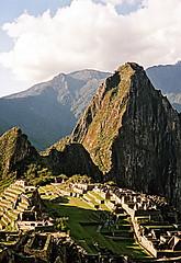 Machu Picchu, Peru (Globetreka) Tags: mountains peru southamerica andes machupicchu visittheworld lostcities flickraward theworldinflickr historymystery