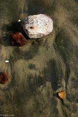 TEXTURAS DEL MAR (ngel mateo) Tags: espaa textura beach water stone andaluca sand agua ground playa arena sanjos almera cabodegata textured piedras tierra playadelosgenoveses ngelmartnmateo ngelmateo imaratnfotogrficodealmera