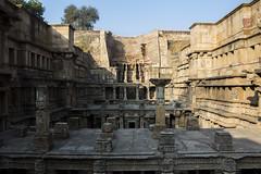 topside (Tin-Tin Azure) Tags: india detail stone columns patan ki gujarat rani vav stepwell