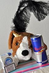 Katerfrhstck Teil 2 (wuestenigel) Tags: dog table tag2 tag1 kln can hund redbull karneval 2012 rosenmontagszug tabelle kann nuttenfrhstck