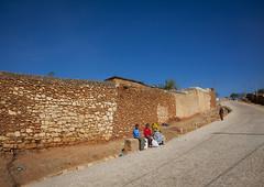 Old walls of Harar - Ethiopia (Eric Lafforgue) Tags: wall 6861 tribo äthiopien etiopia ethiopie etiopía エチオピア etiopija ethiopië 埃塞俄比亚 etiopien etiópia 埃塞俄比亞 etiyopya אתיופיה эфиопия 에티오피아 αιθιοπία 이디오피아 種族 етиопија 衣索匹亚 衣索匹亞