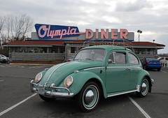 '63 VW at the Olympia Diner, Newington, CT (63vwdriver) Tags: berlin sign vw bug volkswagen us neon 5 connecticut steel beetle ct 15 diner route olympia turnpike newington stainless 1963 omahony