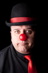 Io sono un clown e faccio collezione di attimi. (ubriaca dal RIDERE!) Tags: clown flash occhi sguardo rosso ritratto nero naso posa espressione comico lillipuziani sarabonvicini beppechirico