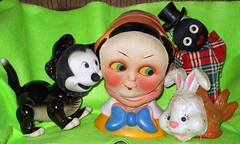 Hiding from Stromboli...hmmm...who could they be? (teekeek) Tags: disney masks cleo pinocchio figaro handpuppet jiminy gund jiminycricket