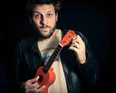 110/365 (Simone Ballerini) Tags: selfportrait male nikon ukulele flash autoritratto ragazzo