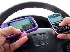texting and driving (frankieleon) Tags: auto car honda drive interestingness interesting hands bestof driving blackberry text cc creativecommons popular sprint messages steeringwheel distracted texting messaging distracteddriving frankieleon