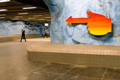 Stadion Metro Station, Stockholm (s_p_o_c) Tags: station architecture subway metro sweden stockholm stadium sl architect sverige stadion arkitektur tunnelbana arkitekt tunnelbanestation stockholmslokaltrafik kaspersalin michaelgranit perhreimers