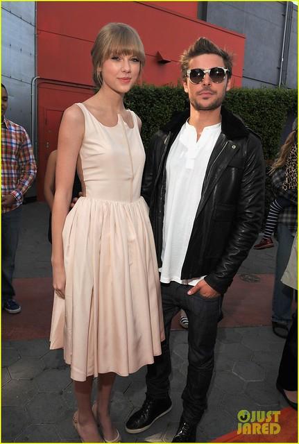 Taylor Swift y Zac Efron en la alfombra roja