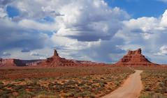 Rain at Valley of the Gods... 20090530_9613 (listorama) Tags: road sky utah desert dirtroad valleyofthegods lightroom ut2009may