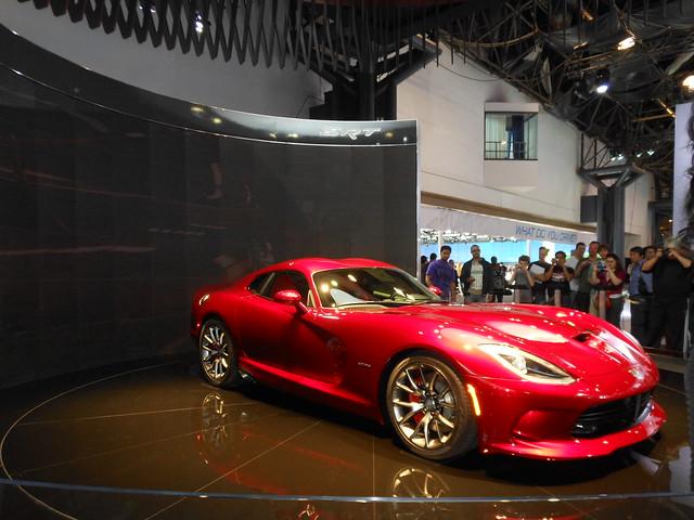 manhattan chrysler sportscar newyorkautoshow jacobjavitsconventioncenter 41412 streetandracingtechnology 2013srtviper nyautoshow2012