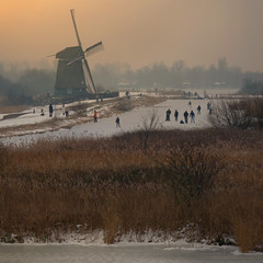 Inspired by Hendrick Avercamp Anno 2012 (Bn) Tags: park winter sunset 3 snow cold holland mill ice nature netherlands windmill sport painting geotagged topf50 action skating den nederland schilderij ilp skate recreation viking topf100 skates naturepark 2012 degrees windmolen landsmeer noren ijspret hendrick celcius natuurgebied oostzaan twiske recreatie kadoelen 100faves 50faves natuurijs ttwiske binnenkruier avercamp twiskemolen twiskepolder twiskemill dutchdating zuidwestplas detwiskemolen geo:lon=4895997 geo:lat=52434756
