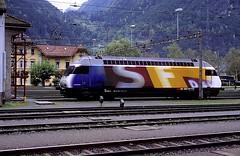460 056  Erstfeld  11.10.97 (w. + h. brutzer) Tags: eisenbahn eisenbahnen train trains schweiz switzerland railway elok eloks lokomotive locomotive zug 460 sbb webru analog nikon erstfeld