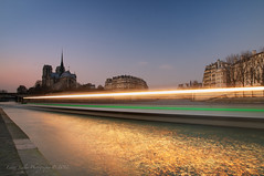 Bateaux Mouches (HunDina (very busy)) Tags: city longexposure paris france boat bateauxmouches laseine supershot nikond300