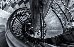 Escaleras (Sergio Nevado) Tags: santa white black tower blanco stairs torre maria negro catedral caracol escaleras fundacion