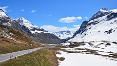 Julierpass (Alt : 2284m) (Philippe Haumesser Photographies) Tags: road sky panorama mountain snow mountains alps clouds alpes landscape outside switzerland landscapes reflex spring nikon suisse swiss meadow meadows route ciel neige prairie nuages prairies 169 schweitz printemps paysages montagnes panoramique 2016 julierpass summits lealpi sommets d7000 nikond7000