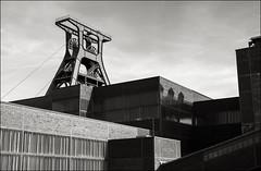 Zeche Zollverein (Johannes Wachter) Tags: museum deutschland kohle nrw frderturm industrie ruhrgebiet nordrheinwestfalen zollverein zeche schacht