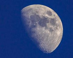 The Moon On A Lazy Sunday Evening (dietmar-schwanitz) Tags: sky himmel bluesky blauerhimmel manfrotto lightroom mondmoon sigmaapoteleconverter2xexdg zunehmendermond increasingmoon sigmadg150500mmf5063apohsm dietmarschwanitz nikond750