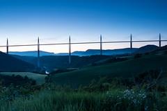 Lever de soleil sur le Viaduc de Millau (gaillardou) Tags: sunset sun nature set canon soleil filter pont paysage tarn 1740 lever millau viaduc cokin 70d
