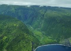 Lush Waipio Valley (Eric Tessmer, Honolulu Hawaii) Tags: green hawaii waipio