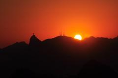 """""""nao diz que nao precisa..."""" (Ruby Ferreira ) Tags: sunset brasil silhouettes prdosol parquedacidade silhuetas notreatment niterirj morrodavirao"""