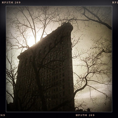 iPhone homage to Edward Steichen (J.T.R.) Tags: newyork madisonsquarepark flatiron 5thave iphone mnahattan edwardsteichen libatique hipstamatic