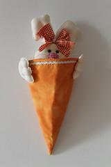 Coelhinha (ceciliamezzomo) Tags: bunny easter basket cone handmade pscoa patchwork coelho cesta