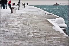 punti di vista audaci (capsicina ) Tags: winter sea people ice canon italia mare inverno bora trieste onde adriatico ghiaccio bitta capsicina