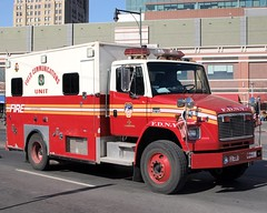 FDNY Field Communications Unit Truck, Brooklyn, New York City (jag9889) Tags: county city nyc ny newyork field brooklyn truck mall shopping fire downtown atlanticavenue company kings tigers vehicle borough fdny department firefighters fortgreene communications unit atlanticcenter bravest freightliner tillary