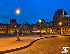 Yin Yang / Blue hour (A.G. Photographe) Tags: morning paris france sunrise french nikon raw louvre ag napoleon nikkor fx pyramide hdr parisian matin anto louisxiv parisienne xiii levdesoleil parisien 2470 d700 antoxiii hdr7raw agphotographe