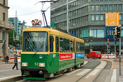 Helsinki City Transport HKL NR I-type tramcar 53 approaches the main railway station on 18 August 2008 (A Scotson) Tags: finland helsinki transport tram streetcar tramway nri hkl kaivokatu localtransport