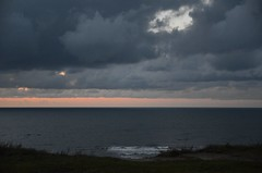Loojang pangal (anuwintschalek) Tags: autumn sunset sea sky night clouds landscape see evening abend coast lowlight meer estonia sonnenuntergang herbst himmel wolken baltic september ostsee meri pank itmeri eesti kste klint estland sgis 2011 trisalu htu loojang taevas pilved wolkenbild lnemeri d7k pankrannik phjarannik pikseloojang loojak nikond7000 sigma1770os tiiuga merekallas hilishtu