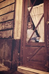 'A cuttigghiara (p$ychoboyJ@ck) Tags: door old italy woman window donna italia curtain watching streetphotography curioso finestra porta sicily miss curiosity curiosa catania sicilia tenda guarda guardare osservare tende signora canoneos7d