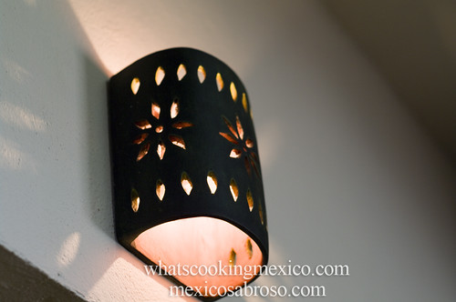 "Pozoleria Moctezuma • <a style=""font-size:0.8em;"" href=""https://www.flickr.com/photos/7515640@N06/6956125935/"" target=""_blank"">View on Flickr</a>"