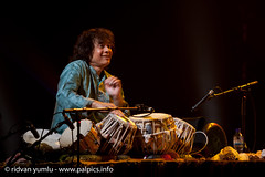 John McLaughlin and tabla Maestro Zakir Hussain play a one off concert with their world-renowned group Remember Shakti, at the Ramallah Cultural Palace on Feb 14th 2012. (Beautiful Faces of Palestine) Tags: activitiesandevents almada associationforarts beautifulfacesofpalestine citizenperson commissiongeneral communitydevelopment exhibition exhibitionhkongullvg filipogrande jeangough jennyboylan johnmclaughlin lshankar northindian organisation palpics palestine palestinerefugees palestinesrefugeepopulation palestiniannationalauthority primeministerofthepalestiniannationalauthority ramallah ramallahculturalpalace reemabdulhadi regionorcityorvillagelocation remembershakti ridvanyumlu salamfayyad shankarmahadevan thvinayakram usrinivas unrwa unicef unitednationsreliefandworksagency vselvaganesh vikku wfd weltfriedensdienst westbanktown zakirhussain ghatamplayer grammyawardwinners guitarist kanjira mandolin psychosocialcare solidarityeventforpalestine tablamaster traumatizedchildren violinist