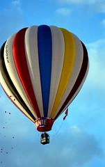 1989-negatives-New Mexico-sheet16-frame34 (Paul-W) Tags: newmexico fly albuquerque 1989 rise float hotairballoons ascend balloonfestival albuquerquenm