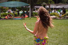 Brincando / Playing (marcelopaixao) Tags: green art festival naked nude fun naturism performace collors naturists artperformace voodoohop voodoostock
