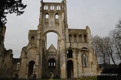 Abbaye de Jumiges (Roberto Lauro) Tags: travel canon normandie francia viaggi normandia rovine abazia abbayedejumiges